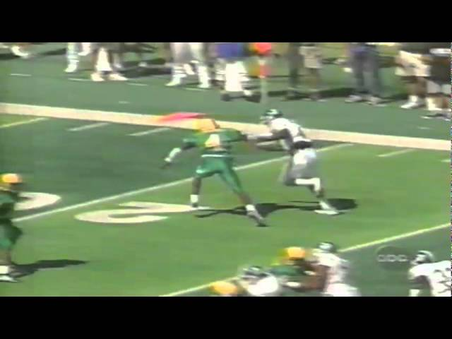 Oregon CB Eric Edwards knocks away a pass in the endzone vs. MSU 9-08-98