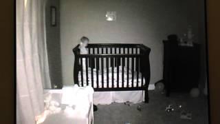 תינוק נופל