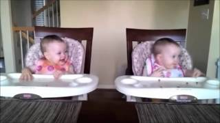 BABY TWINS DANCING TO GANGNAM STYLE