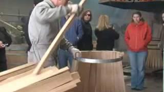¿Cómo se elabora una barrica de vino de forma tradicional?