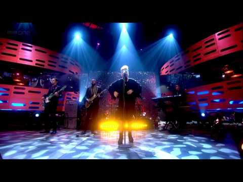 "Emeli Sande - ""Next To Me"" 720p Live on The Graham Norton Show HD"