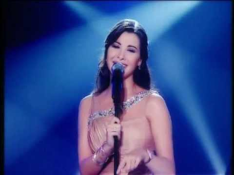 Nancy Ajram - Mestaniak ( Live ) / نانسي عجرم -  مستنياك