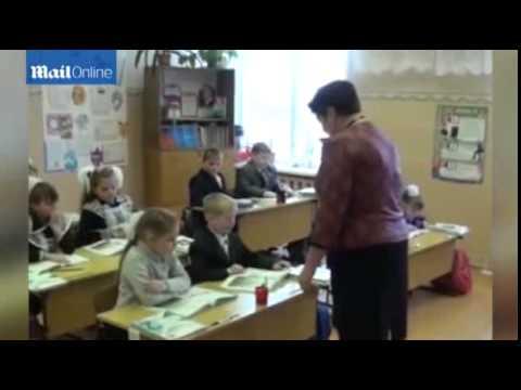 فيديو: طفل روسي يتمتع بقوة خارقة على جذب المعادن