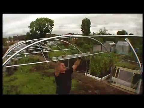 Polytunnel Construction - Crop Bar assembly