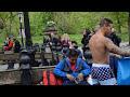 Фрагмент с конца видео New York - Street Acrobat performance - Central Park - PART 1