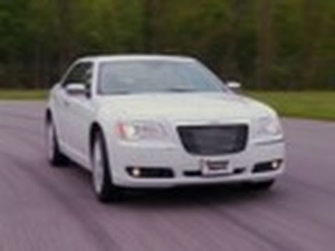 2012 Chrysler 300 first drive from Consumer Reports