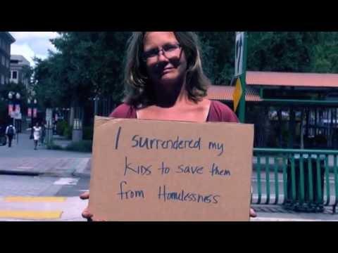 فيديو: قصص حقيقية للمشردين على قطعة كرتونة