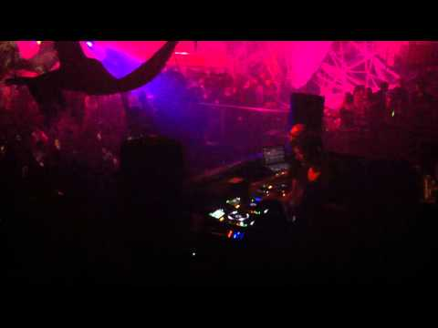 Chus &amp; Ceballos Live @ The Guvernment - Thriller/Halloween 2011