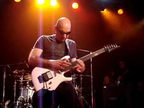 Joe Satriani - Satch Boogie at Slim-s, SF, CA 3-26-11