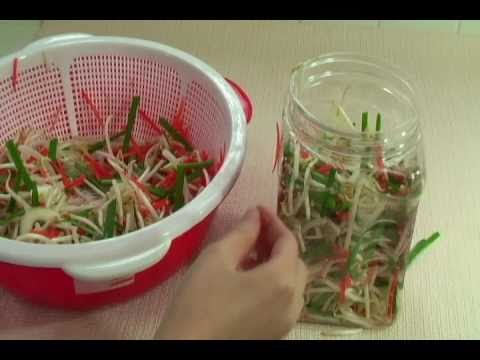 How To Make Bean Sprout Pickles - Day Nau An Dua Gia - Dưa Giá