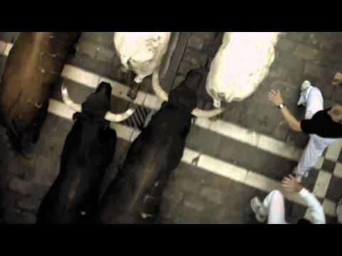 Clip de video de Encierro 3D: Bull Running in Pamplona