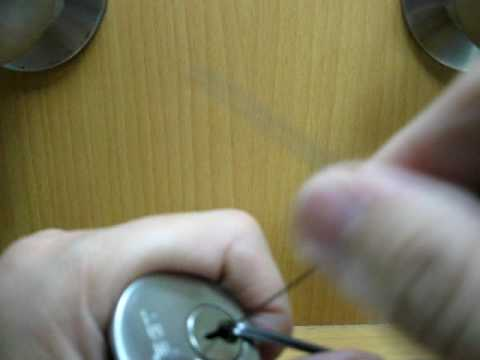 Bobby Pin Lock Pick Lock With Bobby Pins 01:40