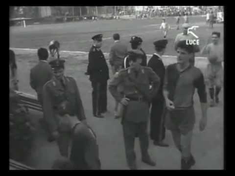 Cagliari - Pavia / L'ultima di campionato / Promozione in serie A / 3 Giugno 1954 [Istituto LUCE]