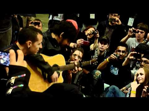 Linkin Park - Leave out all the Rest (Acoustic Version LPU Summit)
