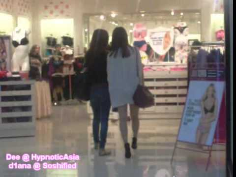 [FANCAM] SNSD (Hyoyeon & Seohyun) at Victoria Secret 9.5.2010