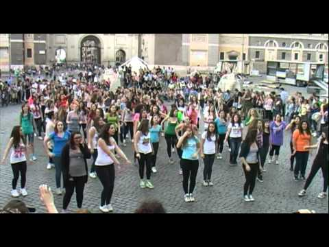1D ROMA FLASH-MOB OFFICIAL