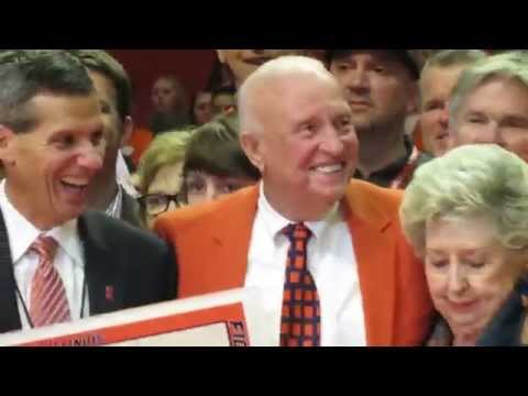 WATCH: Illini basketball honors Lou Henson and opens State Farm Center