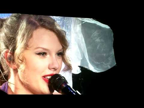 "Taylor Swift covering Bryan Adams' ""Summer of '69"" in Vancouver on Sept 10, 2011"