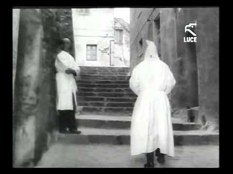 Settimana Santa - Il venerdì santo a Castelsardo / 1963 [Istituto LUCE]