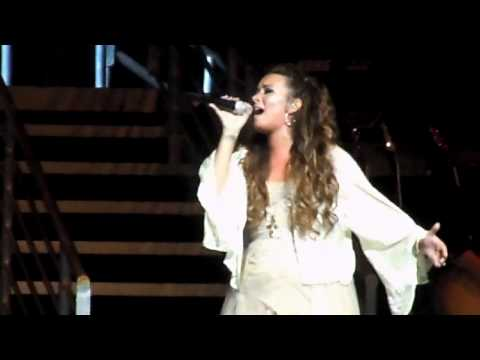 Lightweight - Demi Lovato Live in Los Angeles