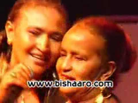 Heeso Somali oo xul ah   Somaliland Celebration in London.Heeso xul ah iyo Nimco Yaasiin