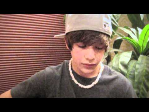 """One Time"" Justin Bieber acoustic cover with lyrics - Austin Mahone -UtIbC7Aoiq8"