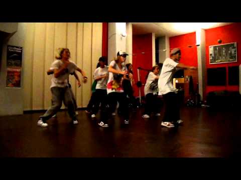 Old School Hiphop Dance Class Eszteca 2010