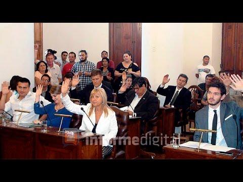 <b>Sesi�n extraordinaria.</b> Concejo Deliberante de Paran� aprob� las secretar�as de Varisco.