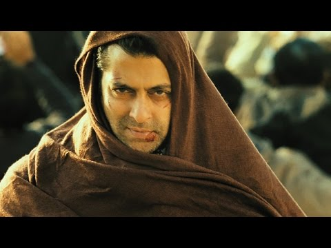 Salman Khan - Spot Tiger at the Station - Ek Tha Tiger
