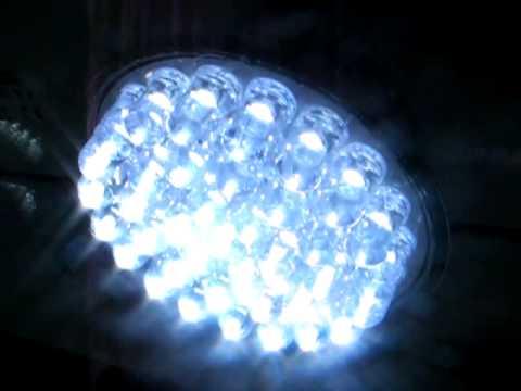 LED - Sostituzione delle vecchie lampadine con lampadine da 38 LED a luce fredda
