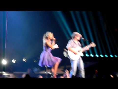 I-m Yours - Taylor Swift & Jason Mraz - Staples Center - Los Angeles - 08/24/11