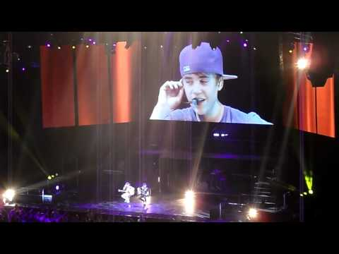 Justin Bieber Concert, Melbourne, 2nd May 2011, Favourite Girl (crying)