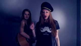 22 - Taylor Swift (acoustic cover by Carlijn & Merle) Official Music Video