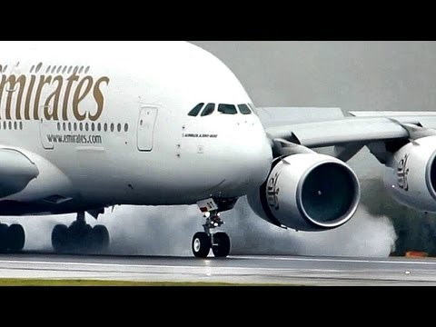 "Airbus a380 ""SuperJumbo"" Landing at a Wet rwy at Manchester (Full HD1080p)"