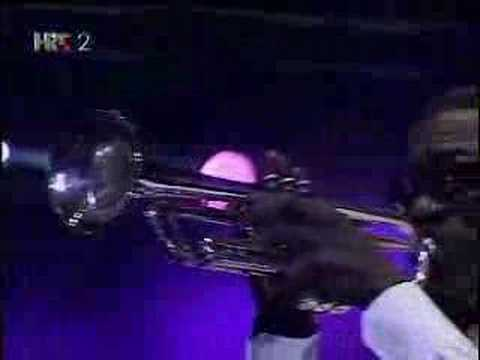 Kool & The Gang - Jungle Boogie (Live 2007)