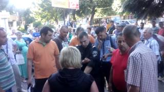 В Житомире стихийные торговцы подрались с милицией