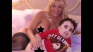 Eric the midget photo with girlfriend