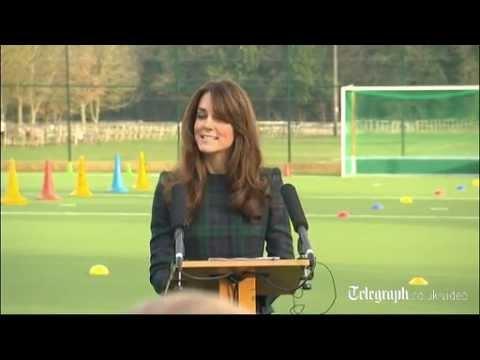 Księżna Kate gra w hokeja na wysokich obcasach
