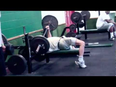 {LOL} Man invents a new way to bench press