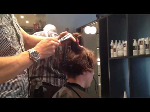 Adam Ciaccia - Creating a ledge on curly hair. Part 4