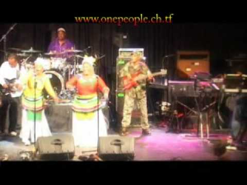 Lucky Dube's Band ONE PEOPLE, Reggae strong -WIROaE8bcno