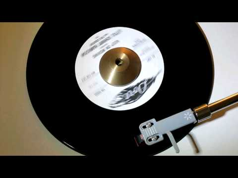 LITTLE JOHNNY HAMILTON and THE CREATORS - KEEP ON MOVING ( DORE 760 )