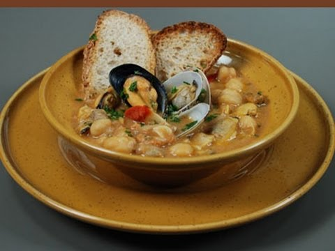 zuppa di ceci con frutti di mare