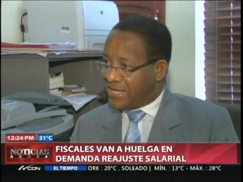 Fiscales van a huelga en demanda reajuste salarial
