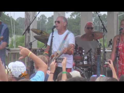 Jimmy Buffett at LuLu-s Homeport Gulf Shores - Surfing in a Hurricane