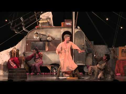 """Cirque Hirsute in """"Les Blues de la Mancha"""", servizio di Stefano Rogliatti"""