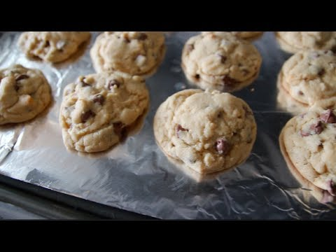 THE BEST CHOC. CHIP COOKIES EVER!