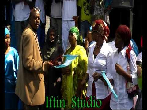 Somali Music ( Hussein Niikiyow ) Xaflada 1da Luulyo Part 5 OSLO Part 5 Iftinff