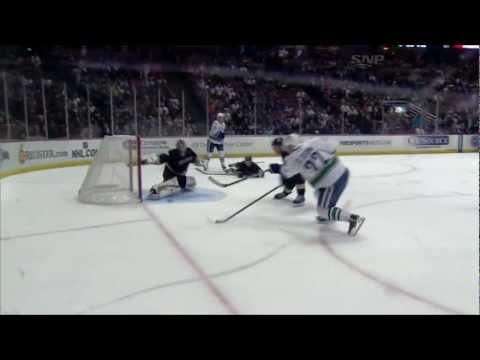 Canucks at Ducks - Daniel Sedin 5-2 Goal - 12.29.11 - HD