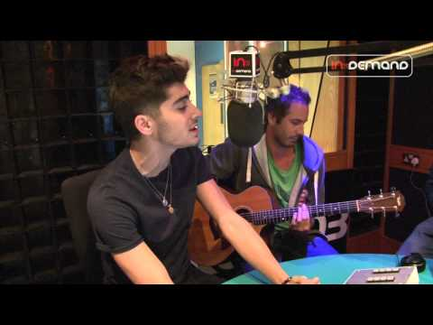 One Direction - 'Live While We're Young' LIVE Acoustic